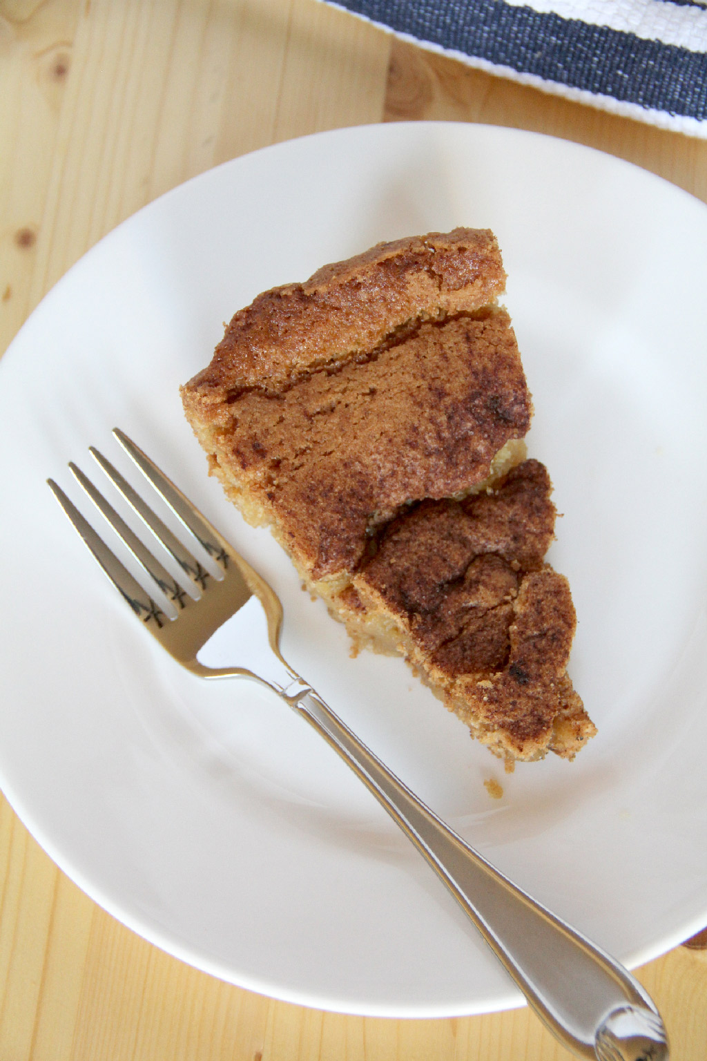Snickerdoodle Cookie Pie in a skillet—a warm, cinnamony snickerdoodle cookie baked in a skillet so it's chewy and soft.