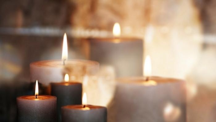 Web Teaser Candles Silent Retreat