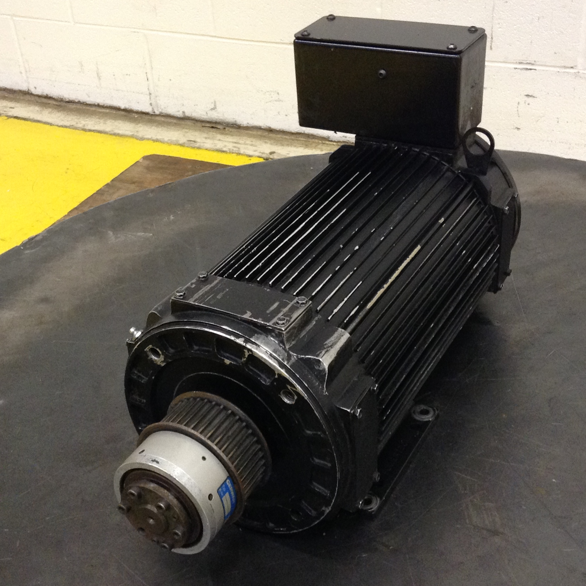 Powertec 10 Hp Brushless Dc Motor A18cma9010900050 Used 73360