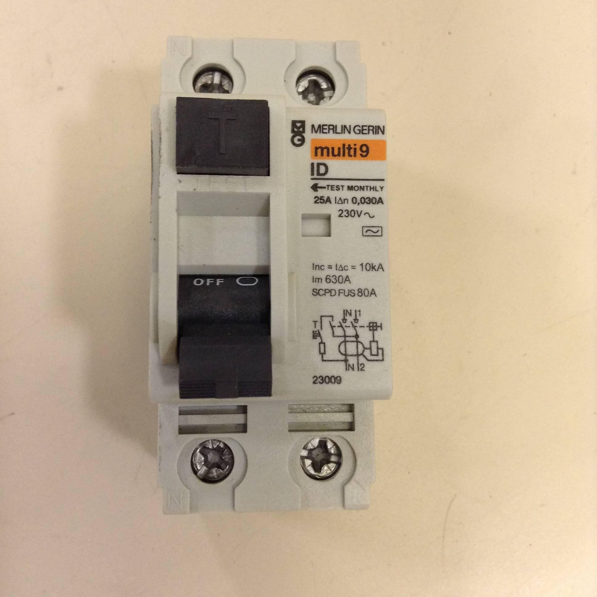 merlin gerin circuit breaker multi9 id 25a used 77918 ebay. Black Bedroom Furniture Sets. Home Design Ideas