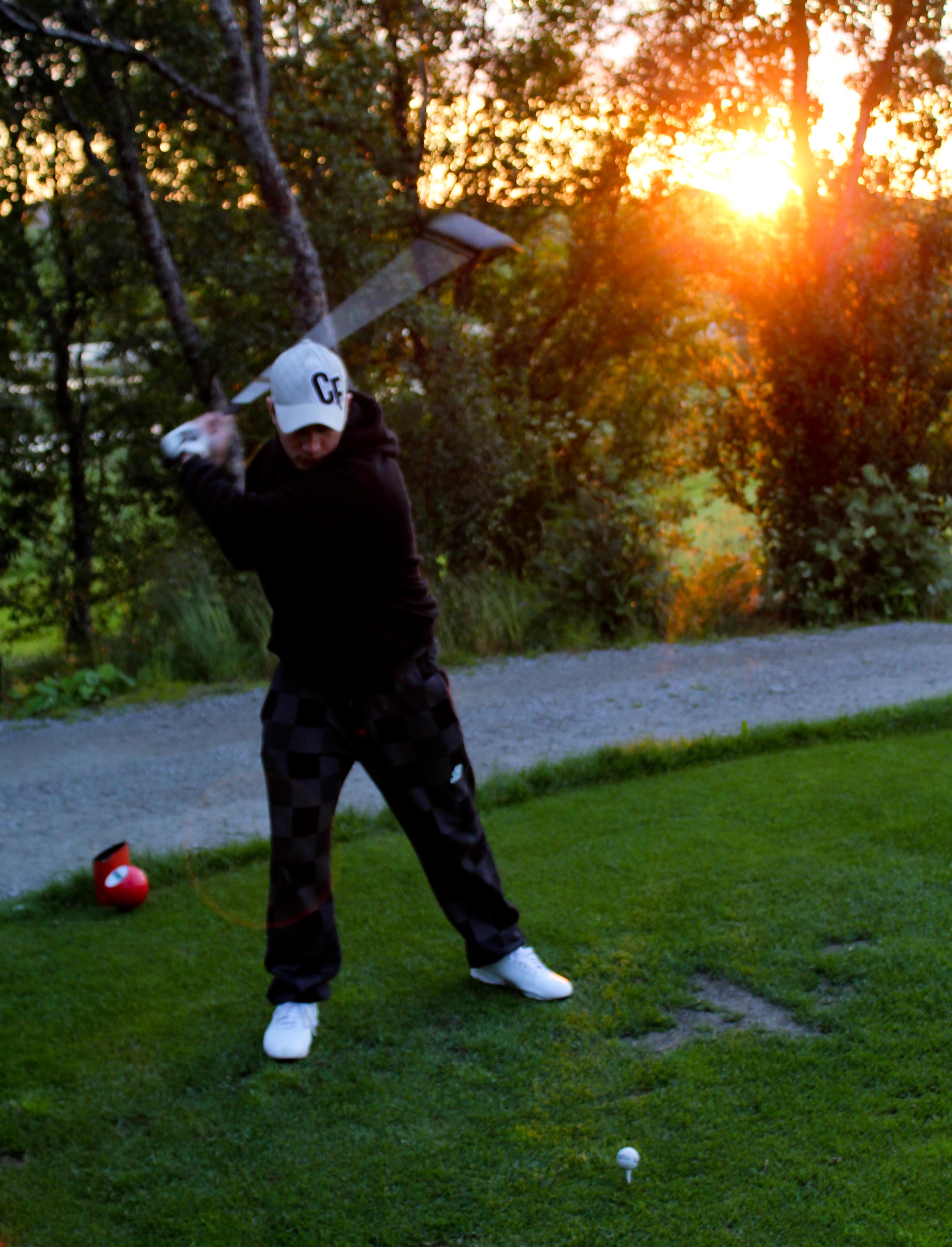 Midnight Golf | Photo Credit: Eirik Jensen