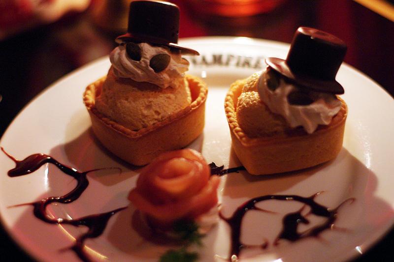 """Vampire Cafe 2010-09"" by Hideya Hamano via Flickr Creative Commons"