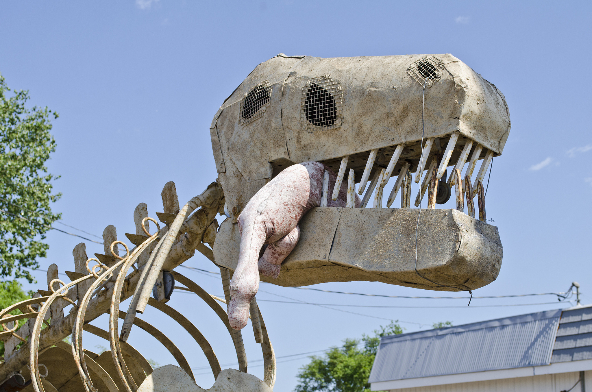 """Dinosaur Art - Head - Glendive Montana "" by Tim Evanson via Flickr Creative Commons"