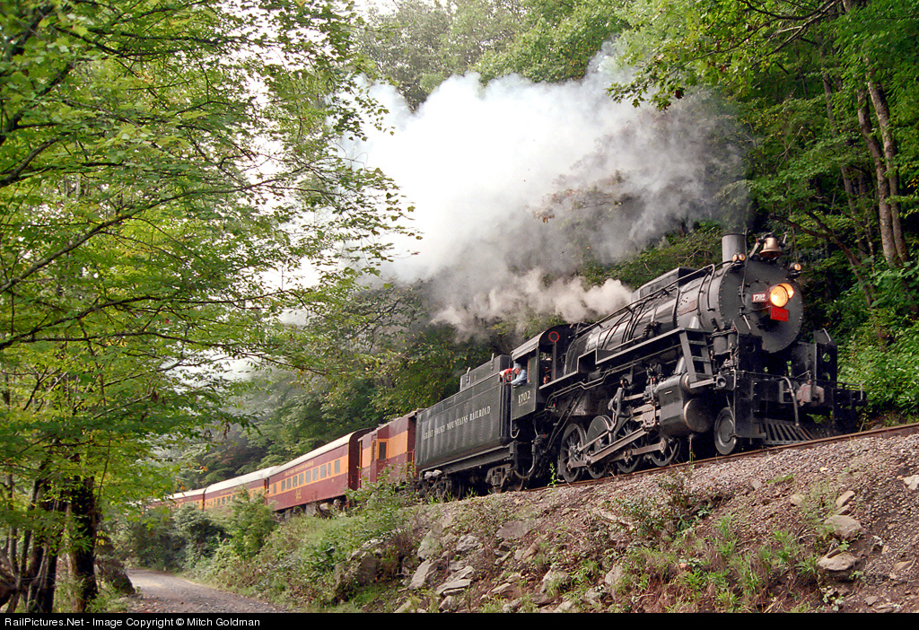 Photo Credit: Mitch Goldman via RailPictures.net