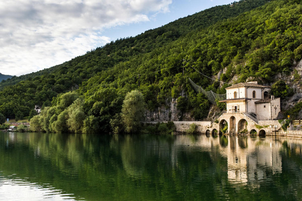"""""""La Chiesa della Madonna del Lago, Scanno, Italy"""" by Rob Butner via Flickr Creative Commons"""