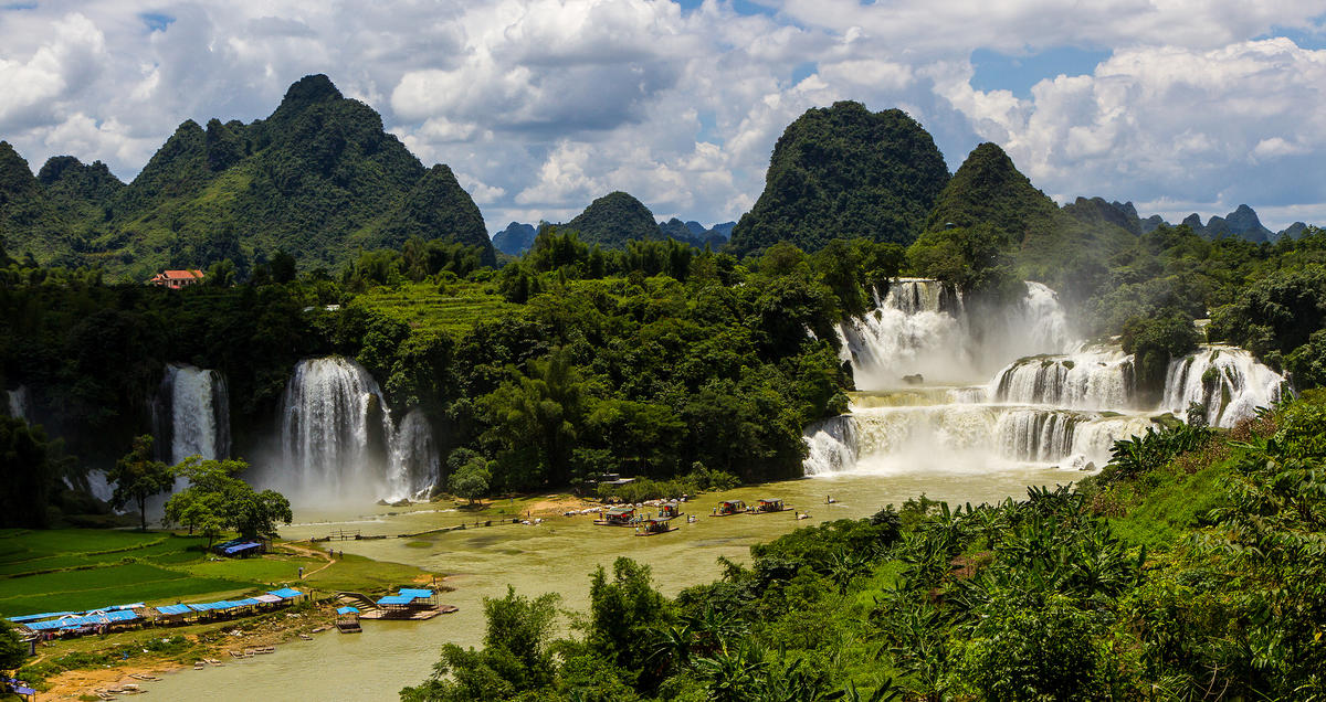 """Ban Gioc – Detian Falls"" by Martin Pilát via Flickr Creative Commons"