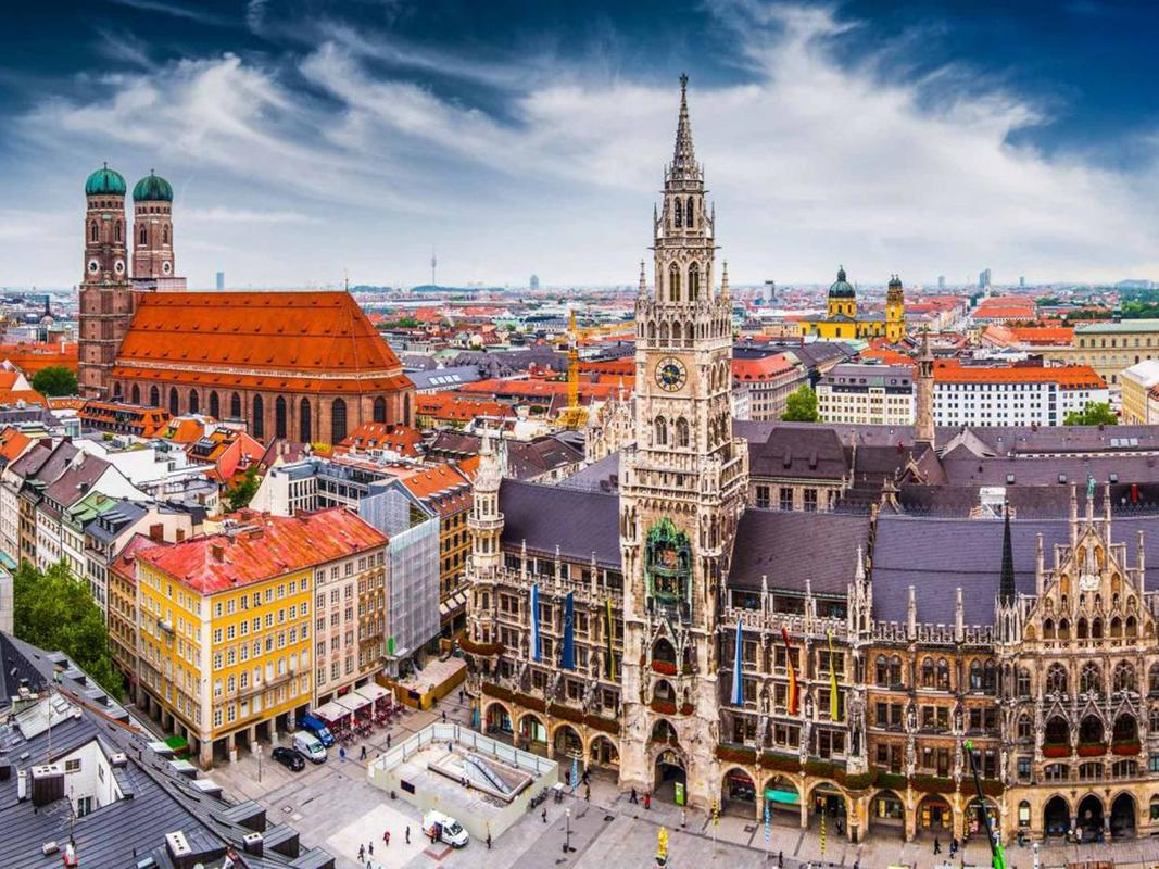 Munich Teutonic Towers with City Hall Alamy