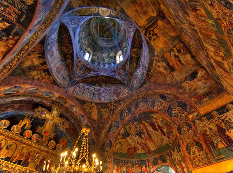"""Mănăstirea Voroneţ, Suceava, România"" by Gaspar Serrano via Flickr Creative Commons"