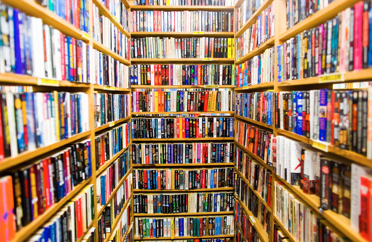 """Book Buyers"" by Thomas Hawk via Flickr Creative Commons"