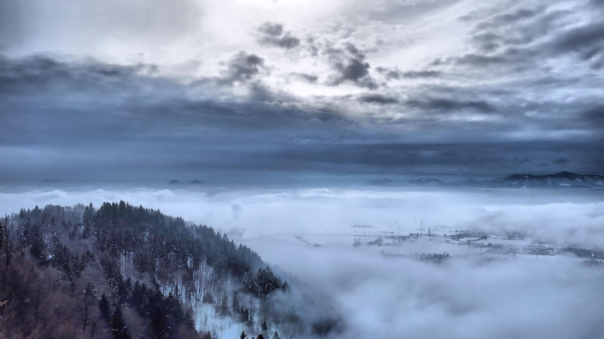 Fog from Smarjetna, Slovenia by Dejan Hudoletnjak via Flickr Creative Commons