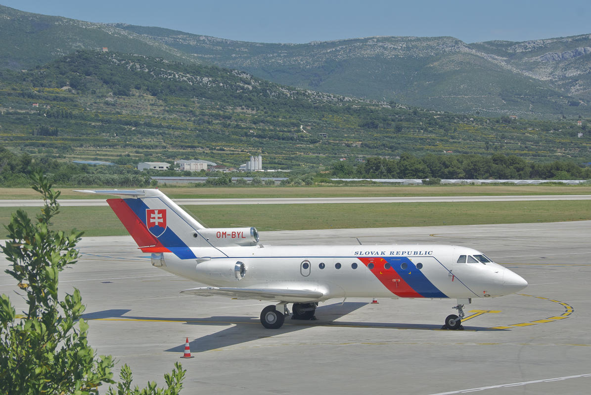 Slovak Republic Yakovlev 40; OM-BYL@SPU;04.06.2012/655aa by Aero Icarus via Flickr Creative Commons