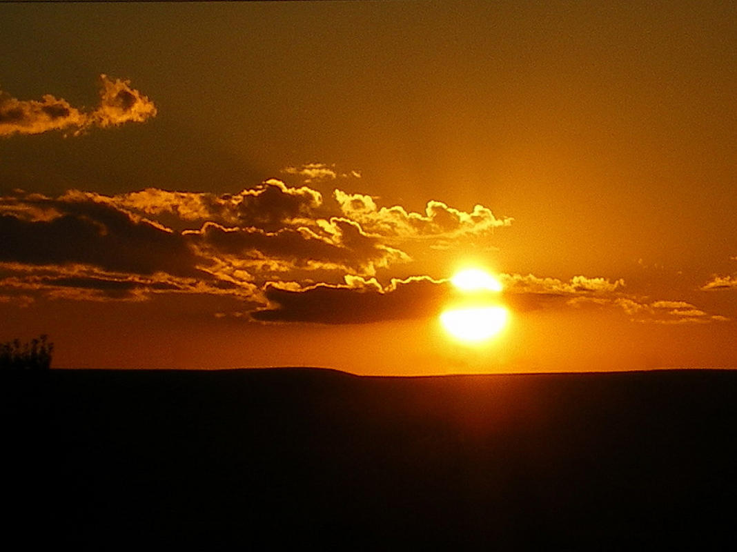 Sunset in Swift Current, SK. by Shari Green via Flickr Creative Commons