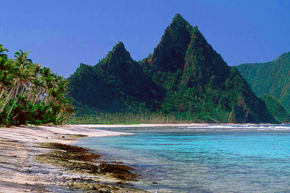 American Samoa 2 by Alan & Flora Botting via Flickr Creative Commons
