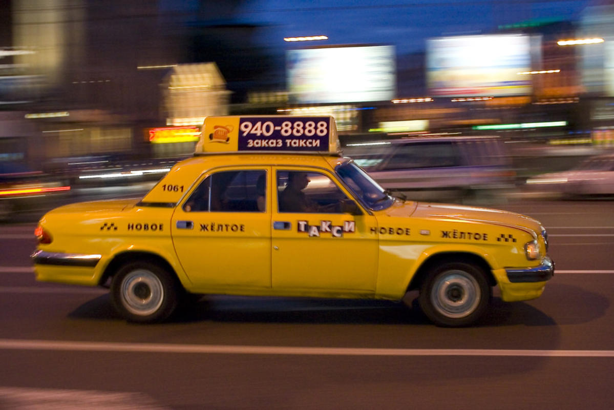 Russian Taxi by Semih Hazar via Flickr Creative Commons