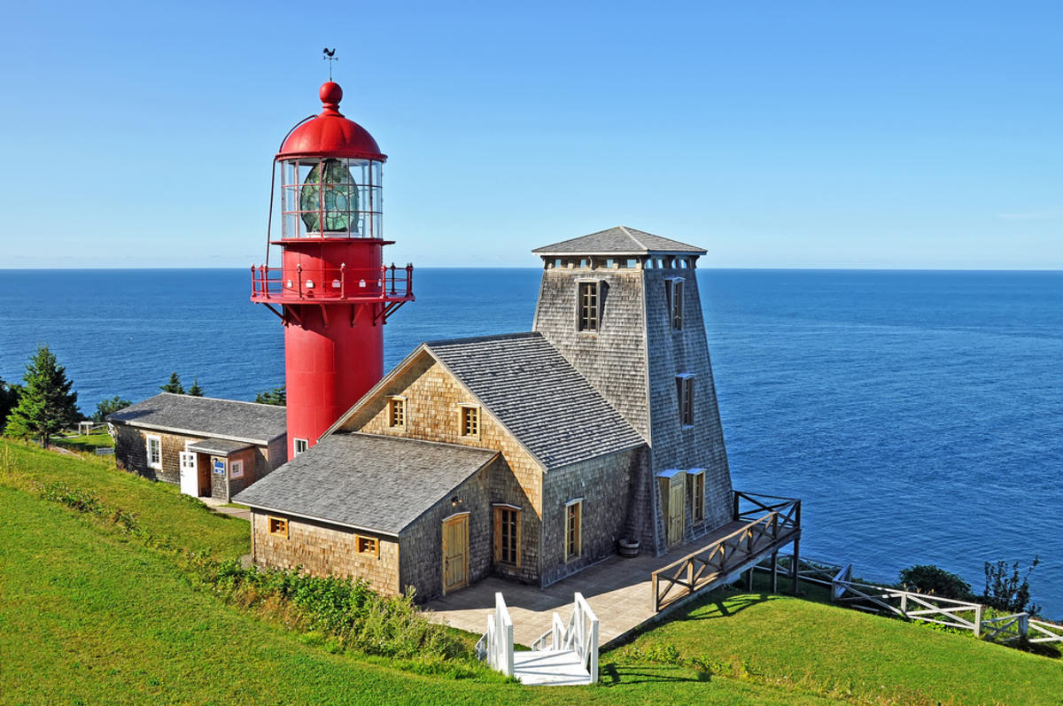 DGJ_8751 - Pointe-à-la-Renommée Lighthouse by Dennis Jarvis via Flickr Creative Commons