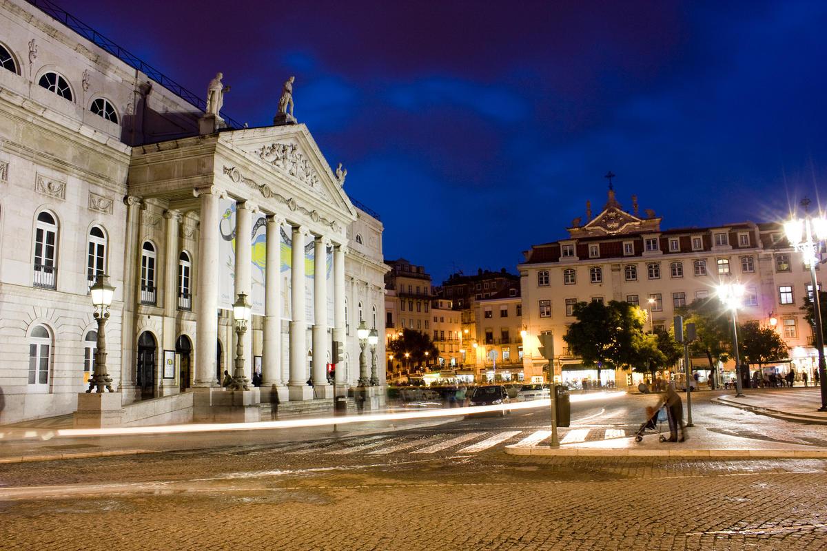 O Teatro by Arrano via Flickr Creative Commons