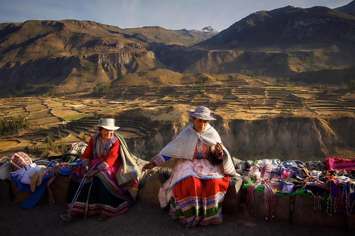 Women, Peru by Pedro Szekely via Flickr Creative Commons
