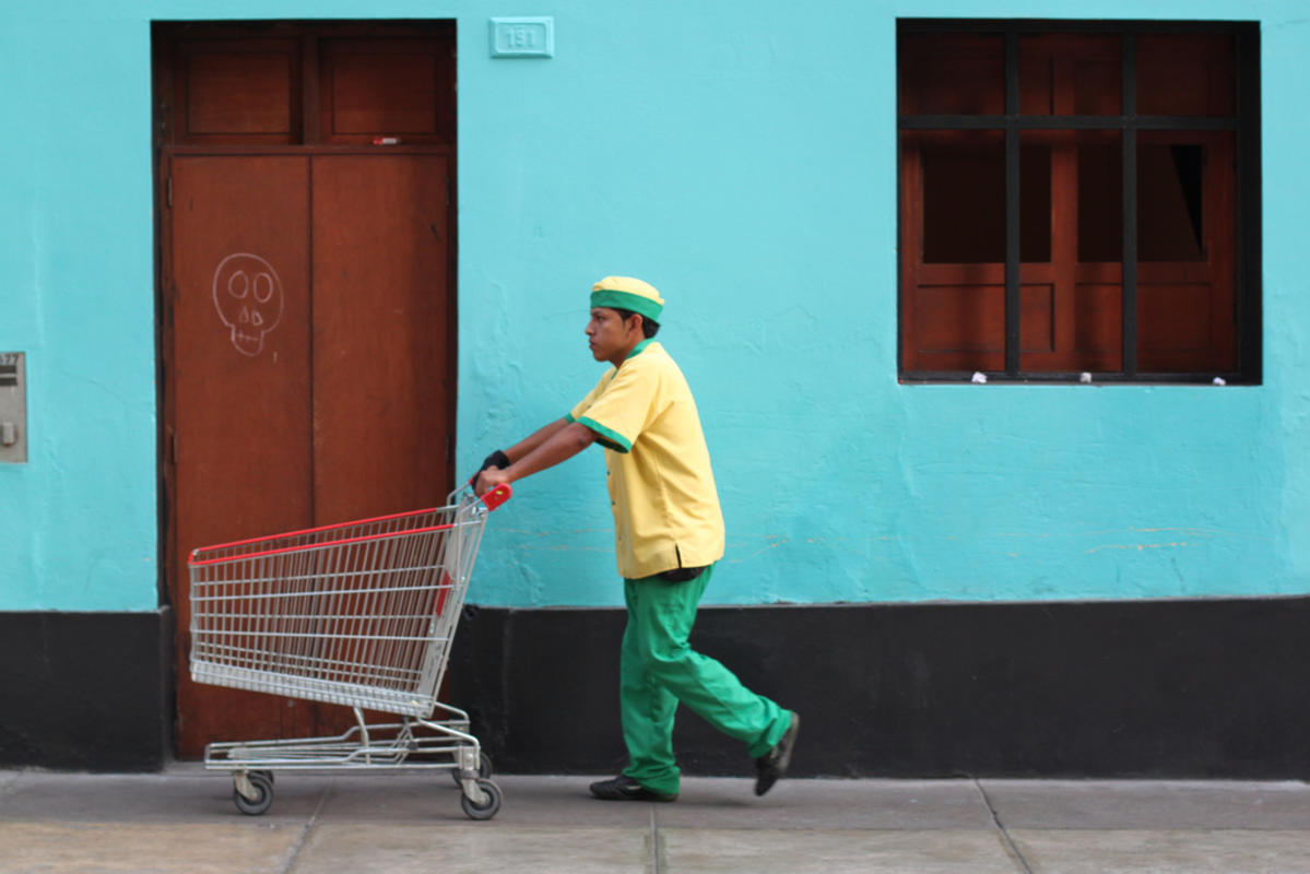The Streets - Colourful Miraflores by Geraint Rowland via Flickr Creative Commons