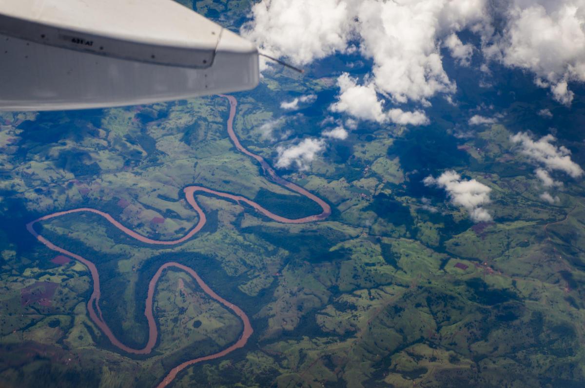 Viagem para Foz do Iguaçú / Trip to Foz do Iguaçu - Vista aérea do Rio Iguaçú / Aerial view of Iguaçu river by Deni Williams via Flickr Creative Commons