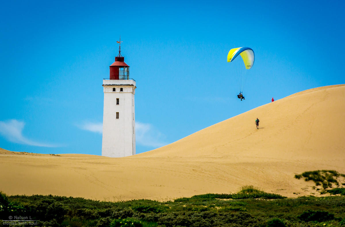 Summer things (Denmark #3 Rubjerg Knude Lighthouse) Photo by Nelson L. via Flickr Creative Commons