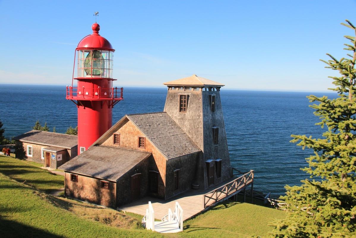 Le phare de Pointe-à-la-Renommée, Gaspésie, Canada Photo by Airflore via Flickr Creative Commons