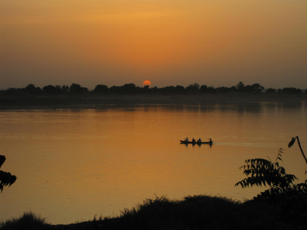 Sunset over the River Chari 3 Photo by Ben Allen via Flickr Creative Commons
