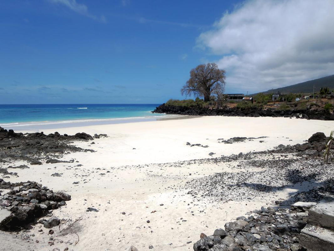 Chomoni Beach Photo by David Stanley via Flickr Creative Commons