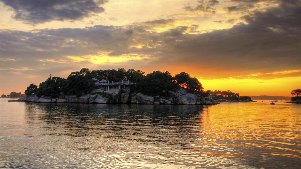 Thimble Island's sunset Photo by slack12 via Flickr Creative Commons
