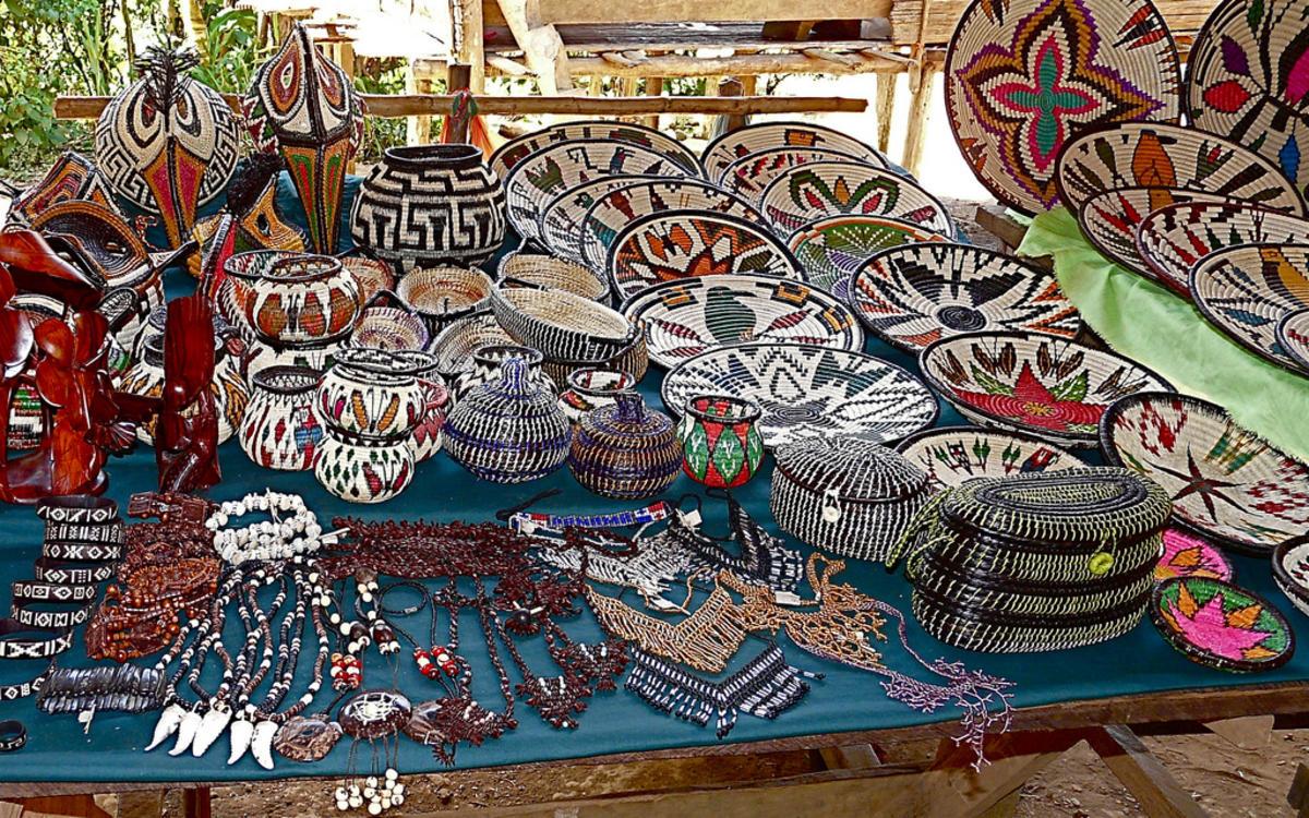 Panama - Chagres Park - Embera Puru Indians by Rita Willaert via Flickr Creative Commons