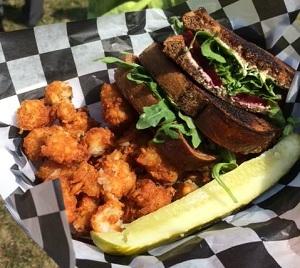 NY-Buffalo-Big-Blue-food-photo