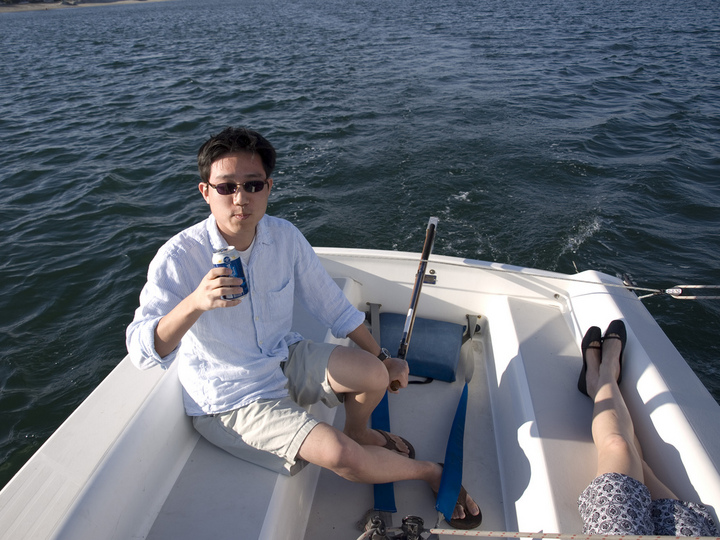 """""""wait, i should probably not be taking a picture of me drinking beer while sailing..."""""""