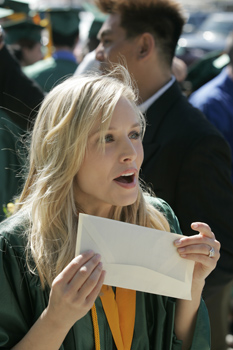 kristin bell reacts to a letter from me