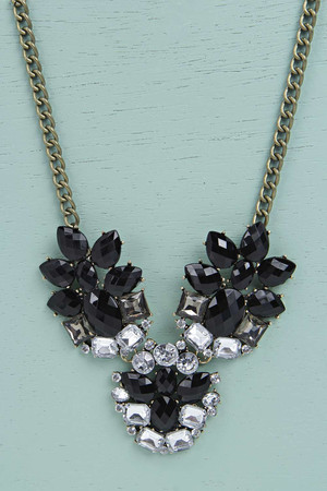 Floral Statement Necklace black