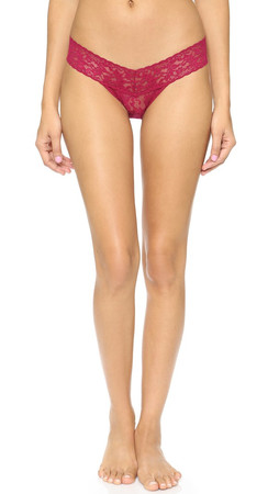 Hanky Panky Signature Lace Low Rise Thong - Cranberry