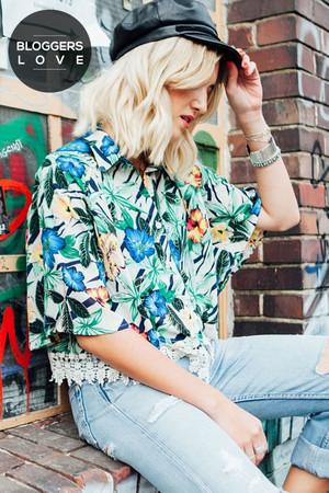 Hibiscus Print Lace Shirt
