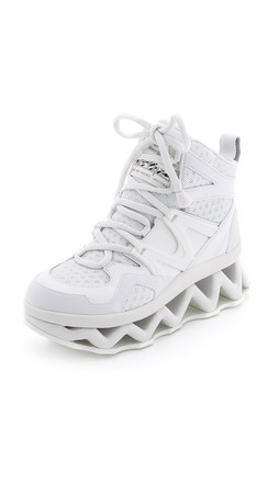 Marc By Marc Jacobs Ninja Sneakers - White