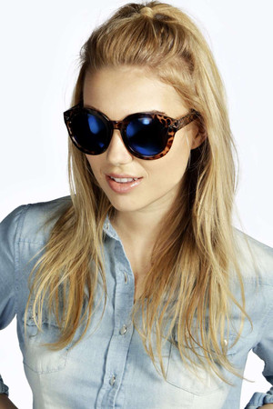 Tia Mirrored Oversized Sunglasses - blue