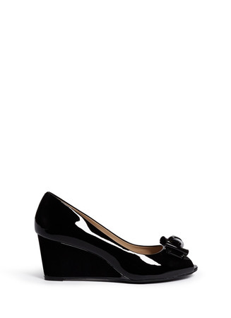 Bow patent leather wedge peep toe pumps