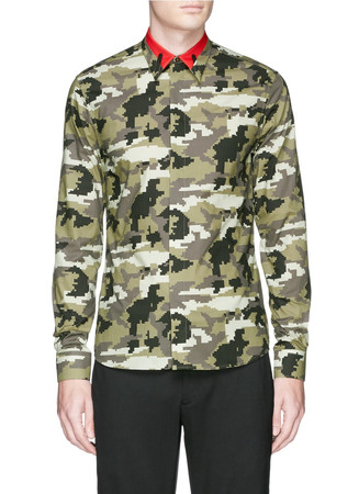 Contrast collar pixel camouflage print shirt