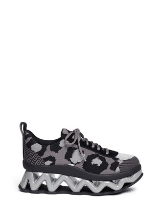'Ninja' zigzag rubber platform low top sneakers