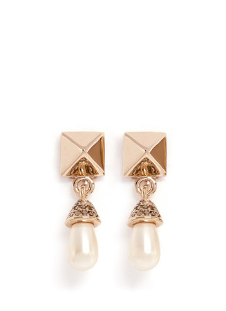 Rockstud pearl drop earrings