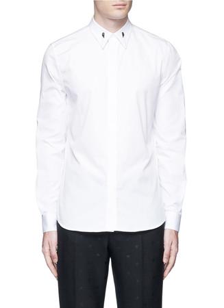 Star engraved collar bone poplin shirt