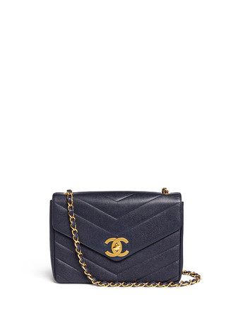 Vintage Chanel jumbo chevron quilted caviar leather flap bag