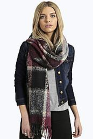 Boucle Checked Tartan Scarf wine