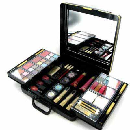 Body Collection Flawless Large Make Up Compendium Gift Set