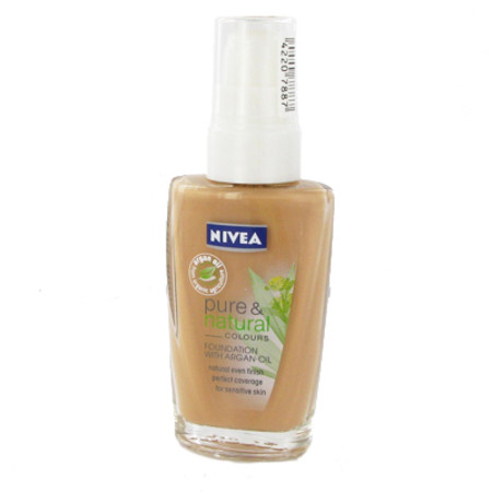 Nivea Pure & Natural Foundation 30ml