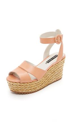 Alice + Olivia Roberta Flatform Sandals - Dusty Pink