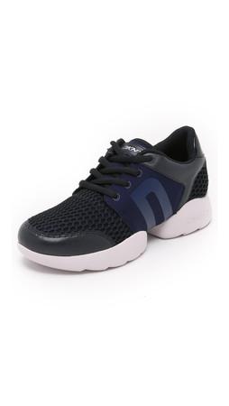 Dkny Pave Jogger Sneakers - Dark Navy