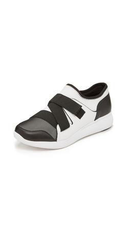 Dkny Tilly Runner Sneakers - Black/White