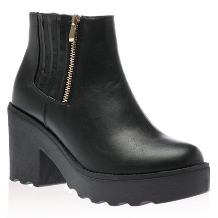 Trish Ankle Boots in Black